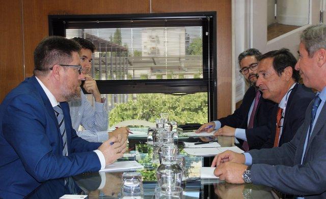 Reunión de Rodrigo Sánchez Haro con Asemesa.