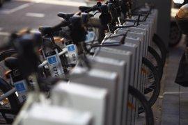 Sabanés defiende la inclusión de BiciMAD en la tarjeta de transporte como una mejora del servicio