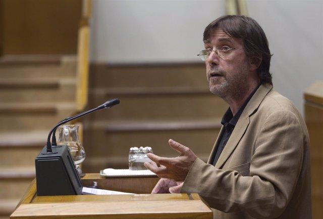 El parlamentario 'jeltzale' Luis Javier Tellería