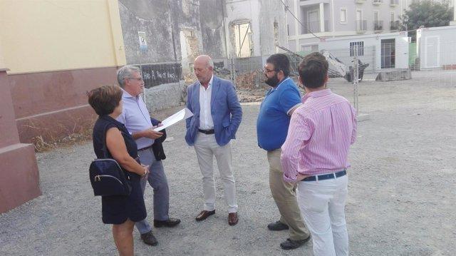 Gil- Toresano señala que comenzarán a trabajar cuatro taquilleros en Utrera
