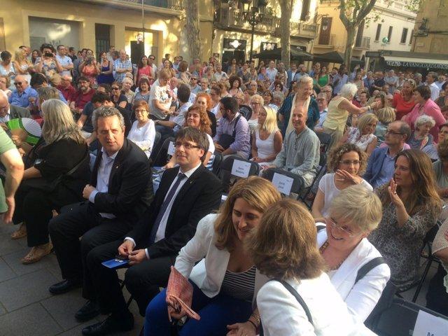 Puigdemont en el acto de campaña por el 'sí' en Barcelona