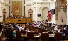 El Parlamento admite a trámite por unanimidad la Ley de PSOE-A, Podemos e IULV-CA de derechos del colectivo Lgtbi