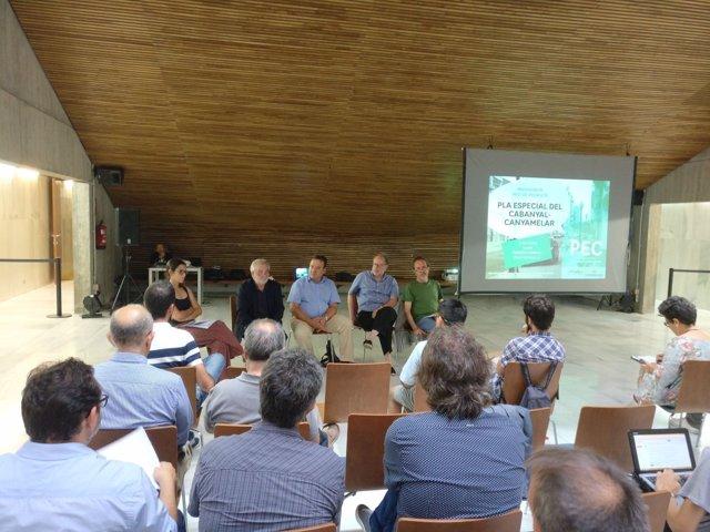 El concejal Vicent Sarrià presenta el plan del Ayuntamiento para el Cabanyal