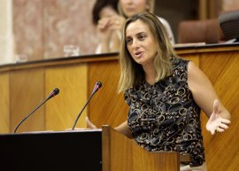 """PP-A critica los efectos del """"letal decreto"""" de educación infantil y la Junta destaca un aumento de plazas y matrículas"""