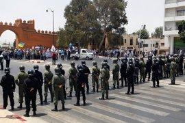 La Policía marroquí usa gas lacrimógeno para dispersar las protestas en Alhucemas
