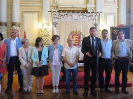 Valladolid da la bienvenida a los niños saharuis que pasarán el verano con familias locales con 'Vacaciones en Paz'