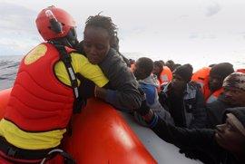 La llegada de víctimas del tráfico sexual por mar a Italia aumenta un 600% en tres años, según la OIM