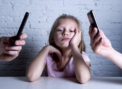 La gran desconexión, así afectan las nuevas tecnologías al vínculo padre-hijo