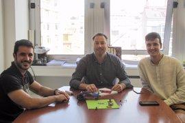 Dos ingenieros electrónicos ganan el Yuzz Cantabria gracias a una startup educativa de robótica para niños