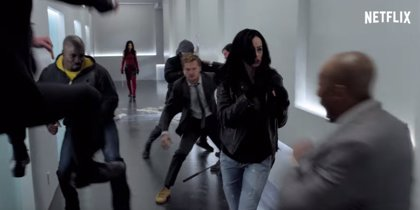 Acción y chascarrillos en el espectacular trailer de The Defenders de la Comic-Con