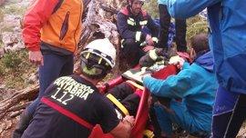 Rescatada con posible fractura de pierna en Collados del Asón