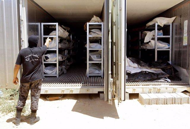 Cadáveres de milicianos de Estado Islámico en Libia