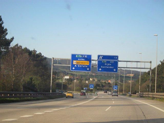 Tráfico por la autopista A-8 'Y'
