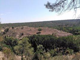 El yacimiento de la Peña del Moro recibe impulso de Junta y Ayuntamiento de Navas de Oro (Segovia)