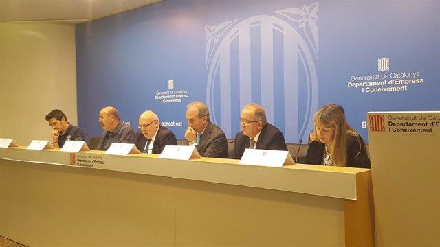 Reunión de trabajo para abordar un pacto nacional por la industria