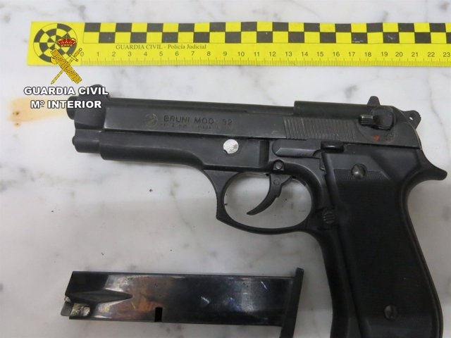 Arma intervenida por la Guardia Civil