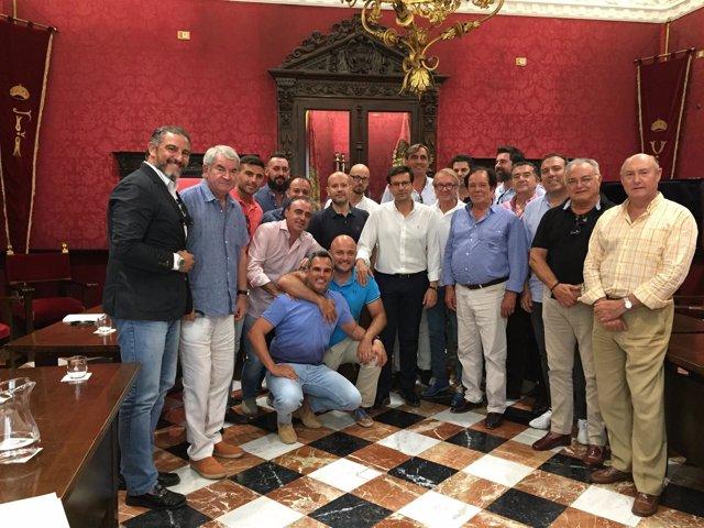 El Alcalde Recibe En El Ayuntamiento A La Federación Andaluza De Salas De Fiesta