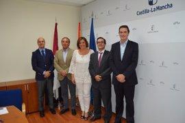 Junta y Cecam firman un convenio para la promoción internacional de empresas de C-LM por valor de 40.000 euros