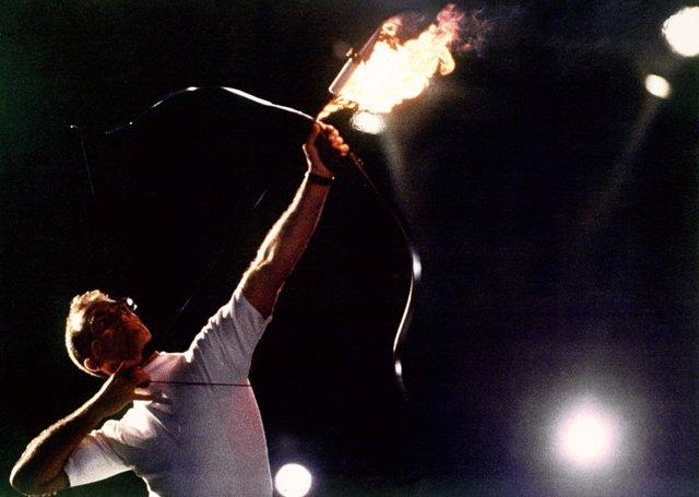 Antonio Rebollo en el encendido del pebetero olímpico