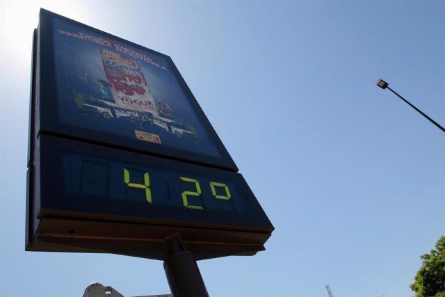 Termómetro con temperaturas altas en Sevilla