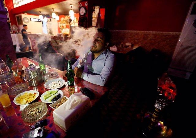 Un bar en Qaraqosh, Irak