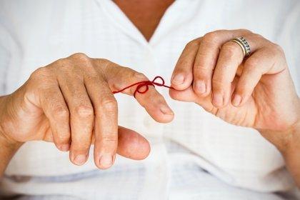 Buenos hábitos de vida reducirían más del 30% de los casos de Alzheimer