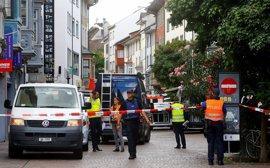 Un hombre armado con una motosierra hiere a cinco personas en Schaffhausen (Suiza)