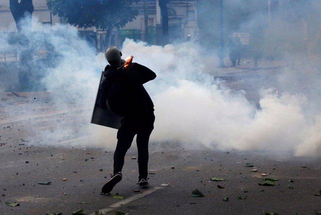 Disturbios en el paro cívico convocado por la oposición en Venezuela