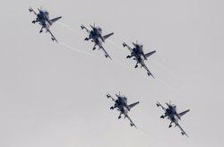 Caces xinesos obliguen a canviar el seu rumb a un avió espia nord-americà al mar de la Xina Meridional (REUTERS / ALEX LEE)