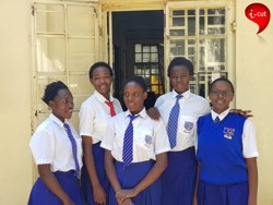 Adolescents kenianes creen una app per acabar amb la mutilació genital femenina (RESTORERS)
