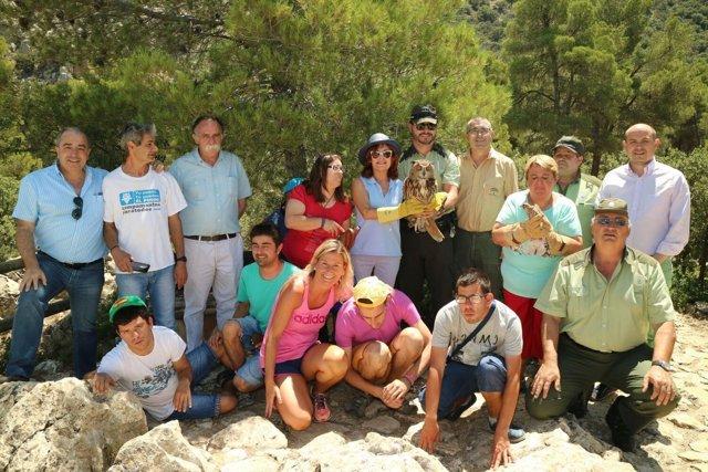 Suelta de cernícalos y búho real en el Parque Sierra María Los Vélez