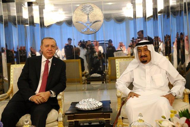 Erdogan y el rey Salmán de Arabia Saudí