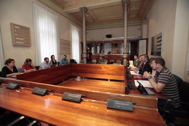 Reunión de IU y Podemos.