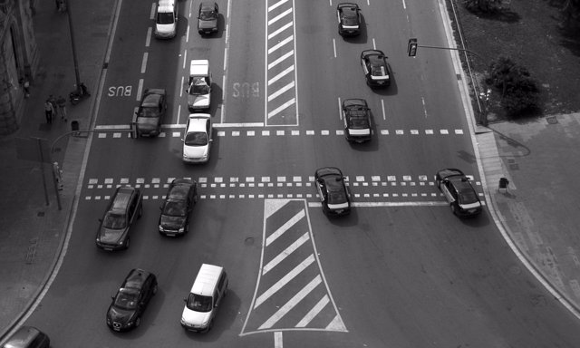 Uber. Tráfico y taxis en una ciudad francesa
