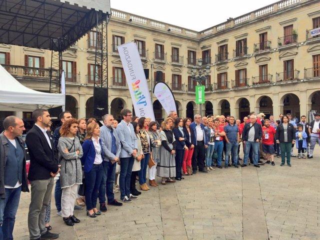 El alcalde de Vitoria encabeza la concentración