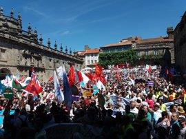 """El BNG se manifiesta por las calles de Santiago para reclamar que """"Galicia es una nación"""""""