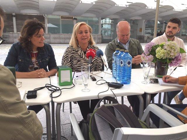 Rueda de prensa de Mercedes Fernández en Siero.
