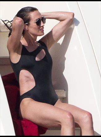 Las celebrities te enseñan como lucir el bañador este verano.. de Paula Echevarría a Nieves Álvarez