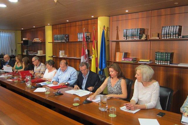 Firma del nuevo Acuerdo Marco de la Función Pública CyL