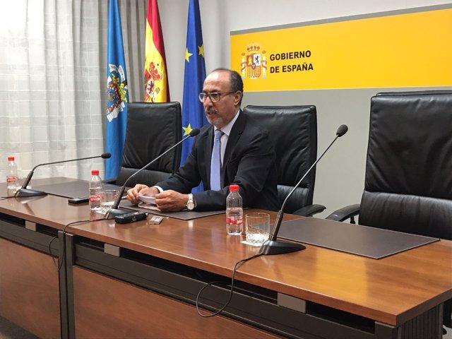El delegado del Gobierno en Melilla, Abdelamalik El Barkani, en rueda de prensa