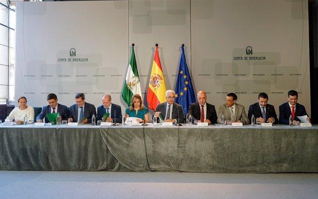 Firma convenio PFEA entre Junta y diputaciones
