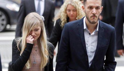 El hospital no permite a los padres de Charlie Gard que se lleven a su hijo a casa debido a la ventilación asistida