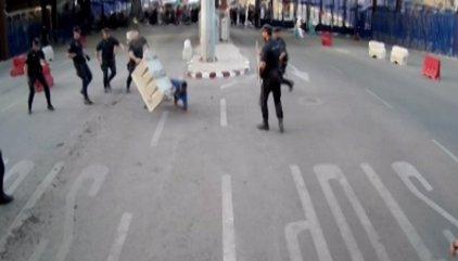 """El policía que arrebató el cuchillo en Melilla: """"Venía con las ideas muy claras tras amenazar a un compañero"""""""