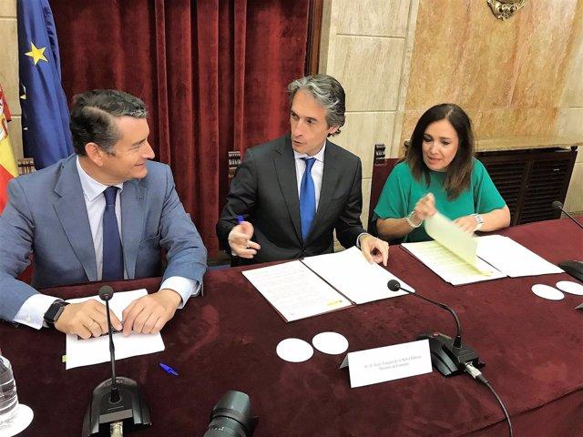 Firma de la prórroga del plan estatal de vivienda en Andalucía