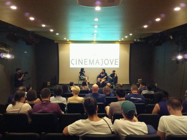 Espectadores en Cinema Jove