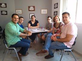 El director del IAJ conoce las actividades de la Casa de la Juventud de Lucena (Córdoba)