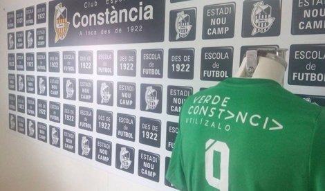 El club mallorquín CE Constància cambia su equipación al #verdeconstancia de la FAD