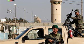 Al menos 40 soldados muertos en un ataque talibán contra una base militar en Kandahar