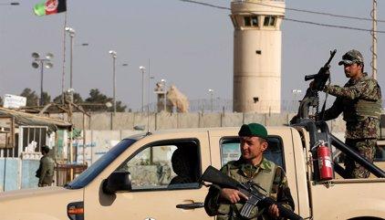 Al menos 26 soldados muertos en un ataque talibán contra una base militar en Kandahar