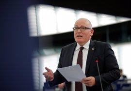 """Bruselas da un mes a Polonia para corregir la reforma judicial que """"amenaza"""" el Estado de derecho"""